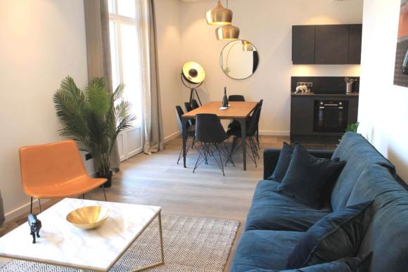 Ensembles de grands appartements parfaitement situés à Cannes