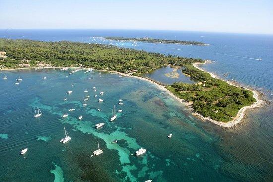 Les iles de Lérins sont idéales pour les activités marine à Cannes pour une expérience