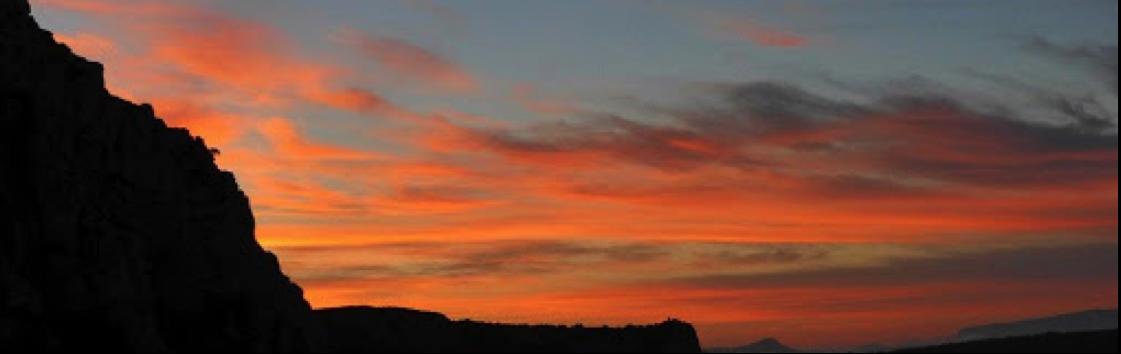 ciel rouge et couchée de soleil en Côte d'Azur