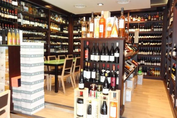 Wine tasting in Cannes for experience with enthusiasts